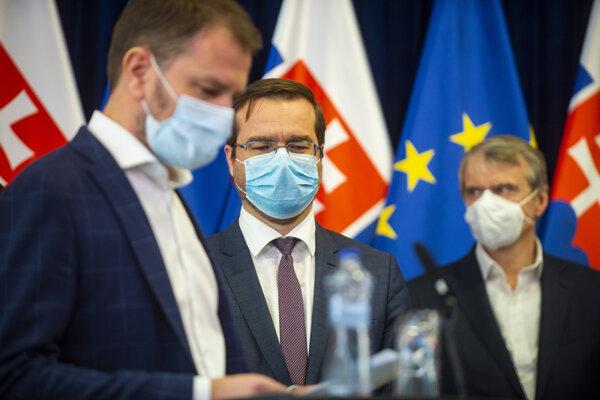 l-r: PM Igor Matovič, Health Minister Marek Krajčí and Róbert Mistrík
