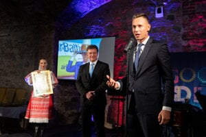 Martin Sedlacký (r) feels very honoured and glad that people in Slovakia know about the activities of expats abroad.