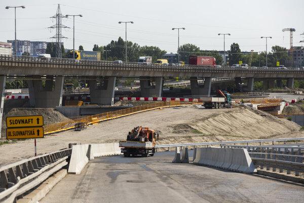 The construction works near Prístavný Bridge.