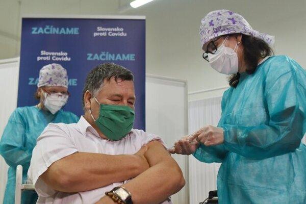 The first one to receive the COVID-19 vaccine in Slovakia is Vladimír Krčméry.