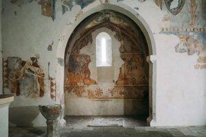 Frescoes in the Rimavské Brezovo church.