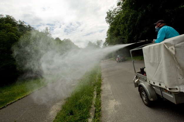 Chemical spraying is lethal not only for mosquitos.