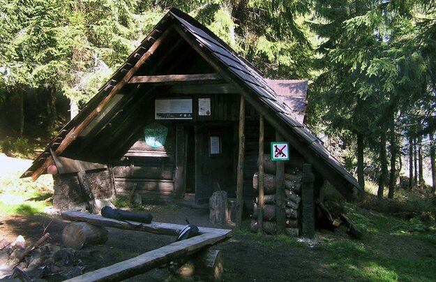 The tourist shelter Ramža in the Low Tatras in 2006.