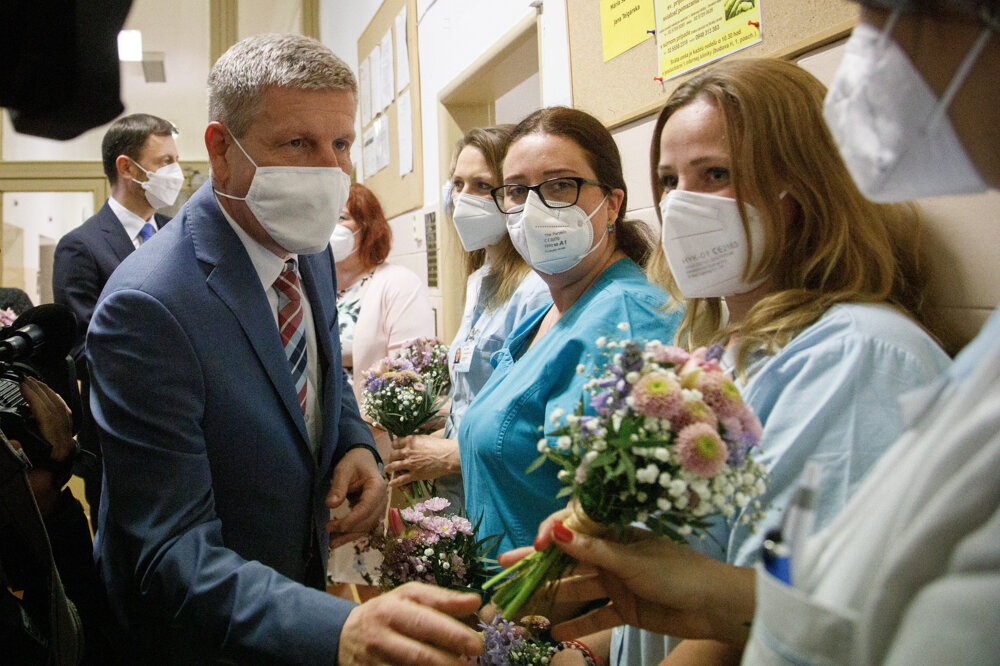 Visit to the University Hospital in Bratislava on the occasion of the International Nurses Day.