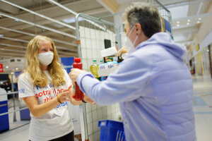 Tesco donates unsold food and organises food collections.