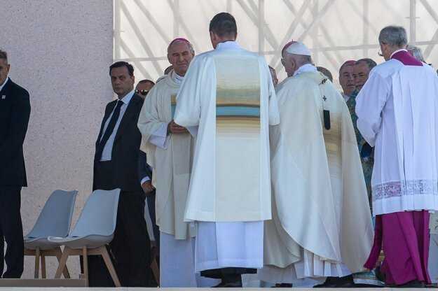 Recalled Archbishop Robert Bezak during the mass with Pope Francis in Sastin