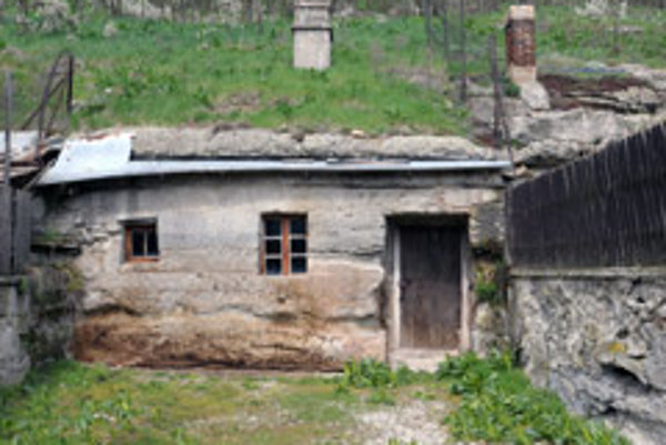 The Brhlovce rock dwellings have opened for a new season of tourism.