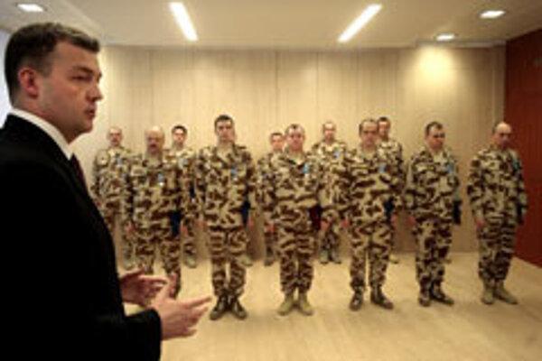 Slovak Defence Minister Jaroslav Baška with Afghanistan veterans.