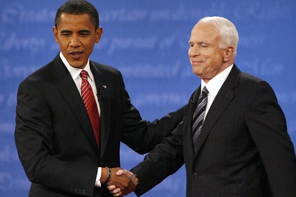 Democratic presidential candidate Barack Obama (left) and Republican presidential candidate John McCain.