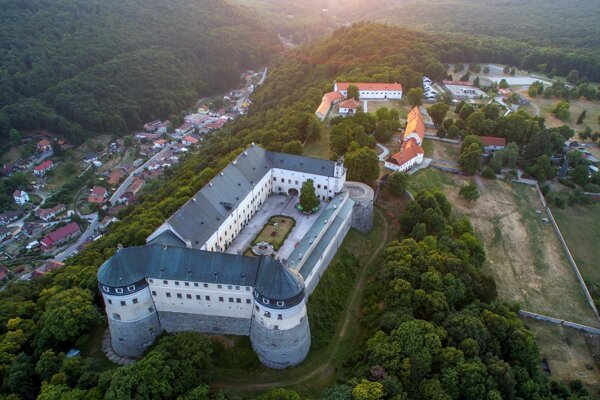 Red Stone Castle (Červený Kameň) in Častá, Bratislava Region, easily accessible by public transport, serves as a furniture museum in the first place.