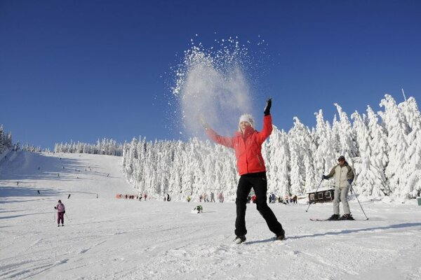 The first snow brings joy and fun to Slovak skiers and winter-sports lovers.