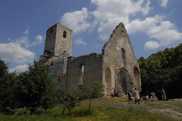 The ruins of St Catherine's church and monastery near Dechtice.