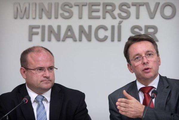 Labour Minister Jozef Mihál (left) and Finance Minister Ivan Mikloš.