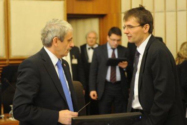 Dzurinda (left) and Galko disagree about Cyprus.