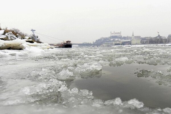 Recent ice on the Danube has precluded boating, but enthusiasts have big plans.