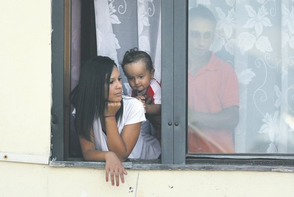 """A report finds that Slovaks """"support restrictive policies"""" towards Roma citizens."""