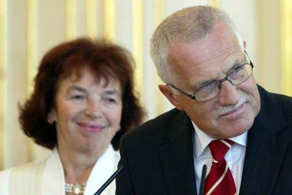 Lívia Klausová (left) and former president of Czech Republic Václav Klaus (right).