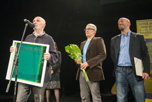 Members of the Skrat theatre (L-R) Ľubo Burgr, Milan Chalmovský and Vlado Zboroň receive Grand Prix for the best staging of New Drama 2016
