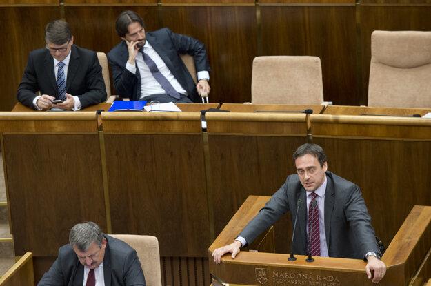 MP Jozef Rajtár (SaS) speaking at the parliamentary session.