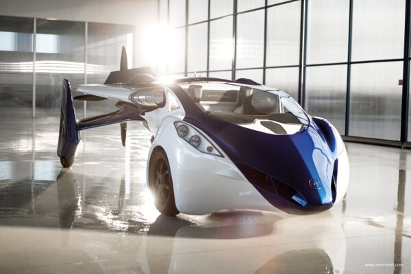 On October 29 in Vienna, two Slovaks, Štefan Klein and Juraj Vaculík, presented their aeromobile 3.0, a combination of a car and a plane.