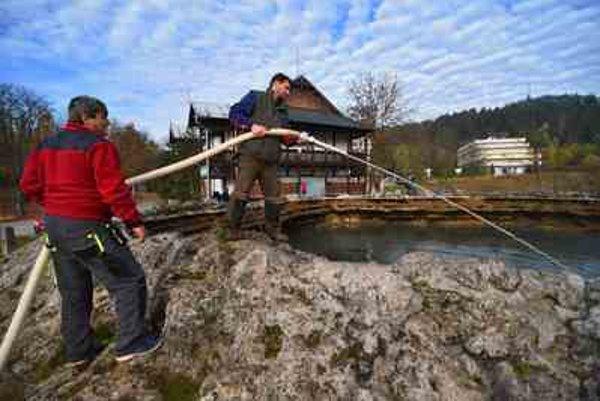 Cleaning thr crater at Vyšné Ružbachy
