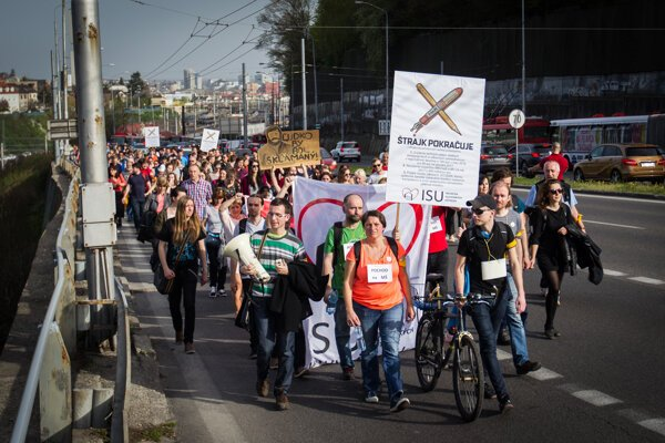 The previous strike organised by the Initiative of Slovak Teachers in early 2016.