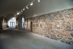 The light-filled rooms contain 30 prints with vedutas.
