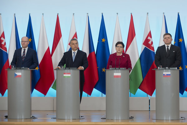 Czech PM Bohuslav Sobotka, Hungarian PM Viktor Orbán, Polish PM Beata Szydlová and Slovak PM Robert Fico, from left.