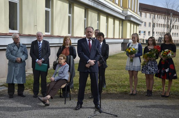 President Andrej Kiska (C) attended the unveiling of the plaque in Poprad.