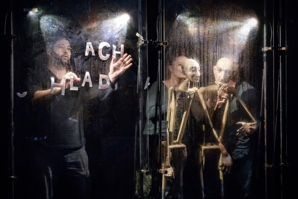 Home, Eros, Faith / Domov, Eros, Viera performance of Med a Prach troupe will be played in Stanica Žilina-Záriečie