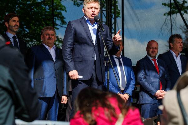 PM Robert Fico presenting his social package in Nitra on May 1.