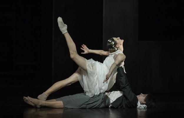Romeo (Peter Dedinskýň and Juliet (Klaudia Görözdös)