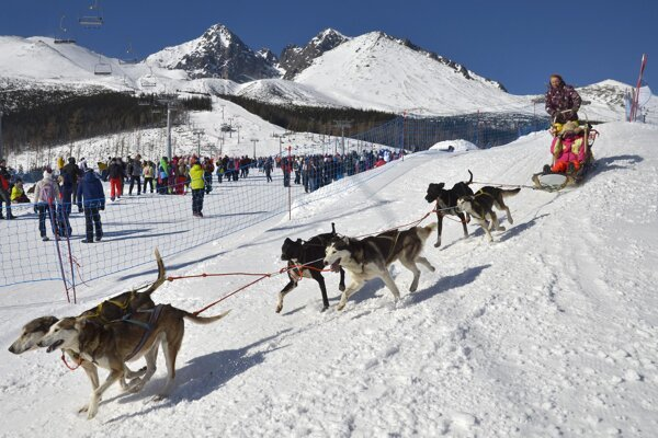 Planes brought more tourists to the Tatras.