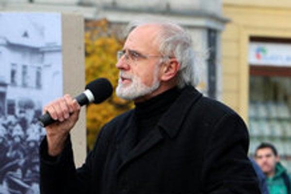 Ján Mičovksý speaking