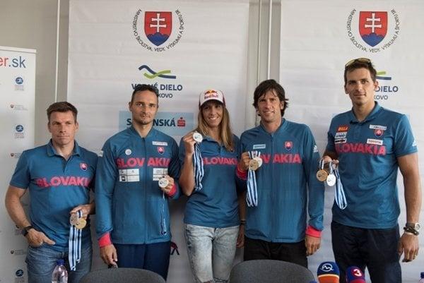 Slovak wtaer slalom winners (L-R) Michal Martikán, Peter Škantár, Jana Dukátová, Alexander Slafkovský and Matej Beňuš, after returning home from French Pau.