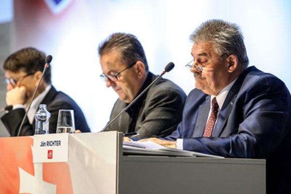 L-R Culture Minister Marek Maďarič, Smer caucus head Martin Glváč and Labour Minister Ján Richter.