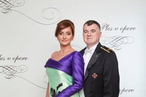 Opera Ball 2018 - Host, presenter and journalist Danica Kleinová with husband, head of the Fire Corpse Alexander Nejedlý