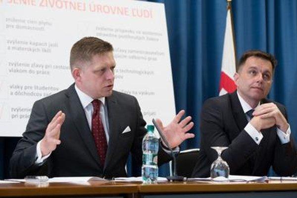 PM Robert Fico and Finance Minister Peter Kažimír