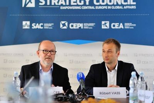 Slovak Atlantic Commission Director Milan Solár and the Central European Strategy Council director Robert Vass