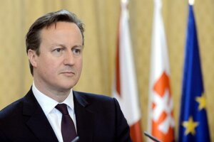 Slovak PM Robert Fico and Slovak Preisdent Andrej Kiska met British PM David Cameron in Bratislava, June 19.
