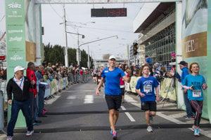 Olympic winner, walker Matej Tóth (C) in the finish of Devín - Bratislava run 2018.
