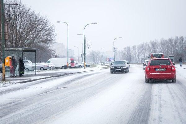 Snow complicated traffic in Bratislava on December 20.