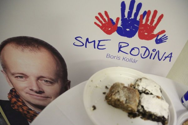 Election night in the headquarters of Sme Rodina.