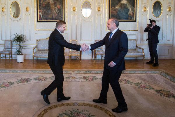 Robert Fico meets President Kiska to present his government proposal.