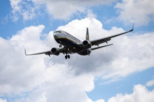 The Irish airliner Ryanair announced it will temporarily cut flights starting this autumn over the Boeing 737 grounding.