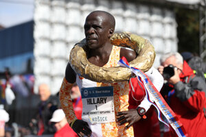 The winner of the marathon, Hillary Kibiwott Kipsambu from Kenya.