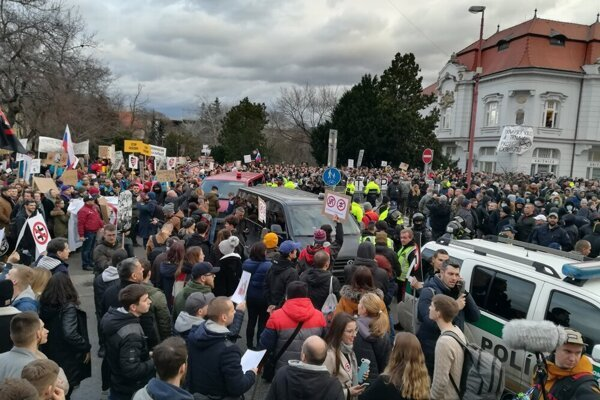 ĽSNS gathering and anti-extremism protest in Trnava