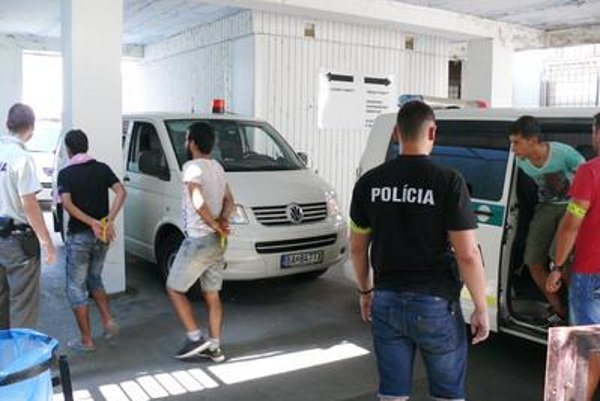 The police detained 26 migrants at the Slovak-Hungarian border crossing of Čunovo-Rajka on August 31.