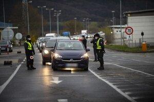 Border crossing near Berg