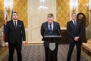 Left to right: Andrej Danko (SNS), Robert Fico (Smer), Béla Bugár (Most-Híd)